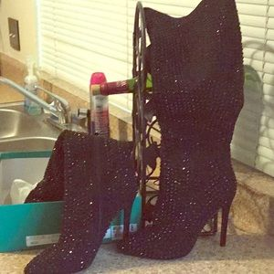 Make me an offer, must go Brand new Sparkle boots!